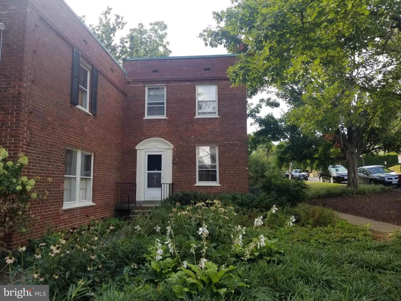 1020 Barton Street - Photo 1