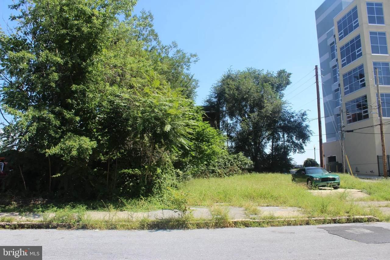 1523 5TH Street - Photo 1