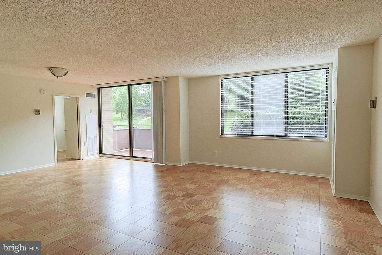 5225 Pooks Hill Road - Photo 1
