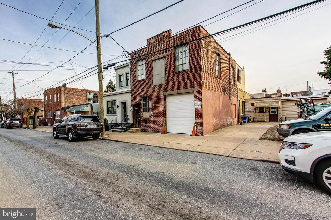 3353 Thompson Street - Photo 1
