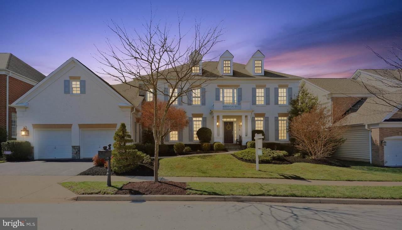 606 Oak Knoll Terrace - Photo 1