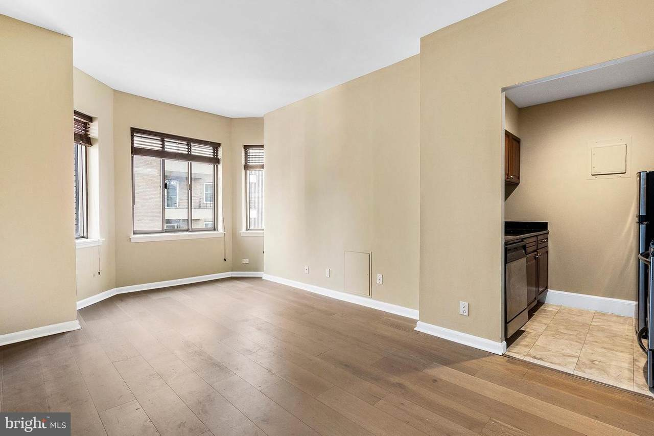 222 Rittenhouse Square - Photo 1