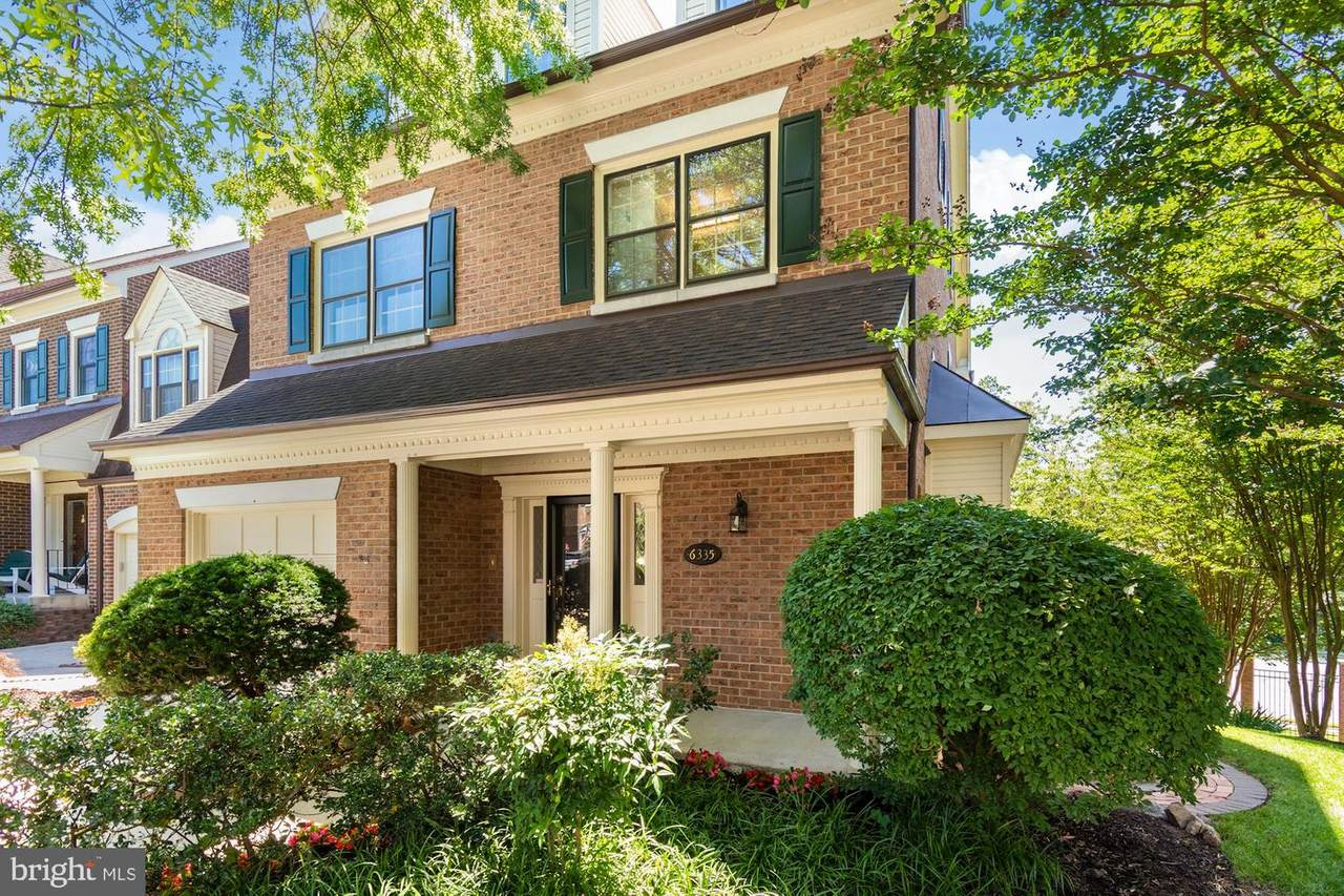 6335 Chaucer View Circle - Photo 1
