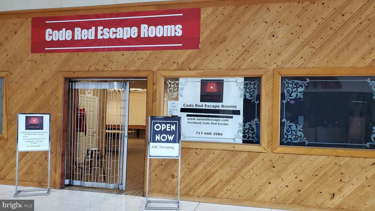 Code Red Escape Rooms And Axe Throwing-Chamb Mall - Photo 1