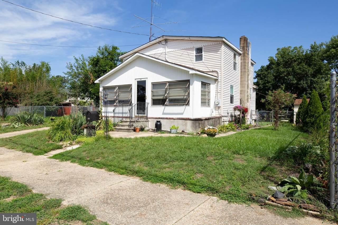 804 Oak Street - Photo 1