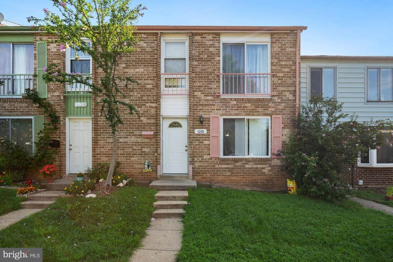 1030 West Side Drive - Photo 1
