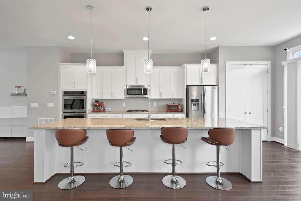 44710 Ellsworth Terrace - Photo 1