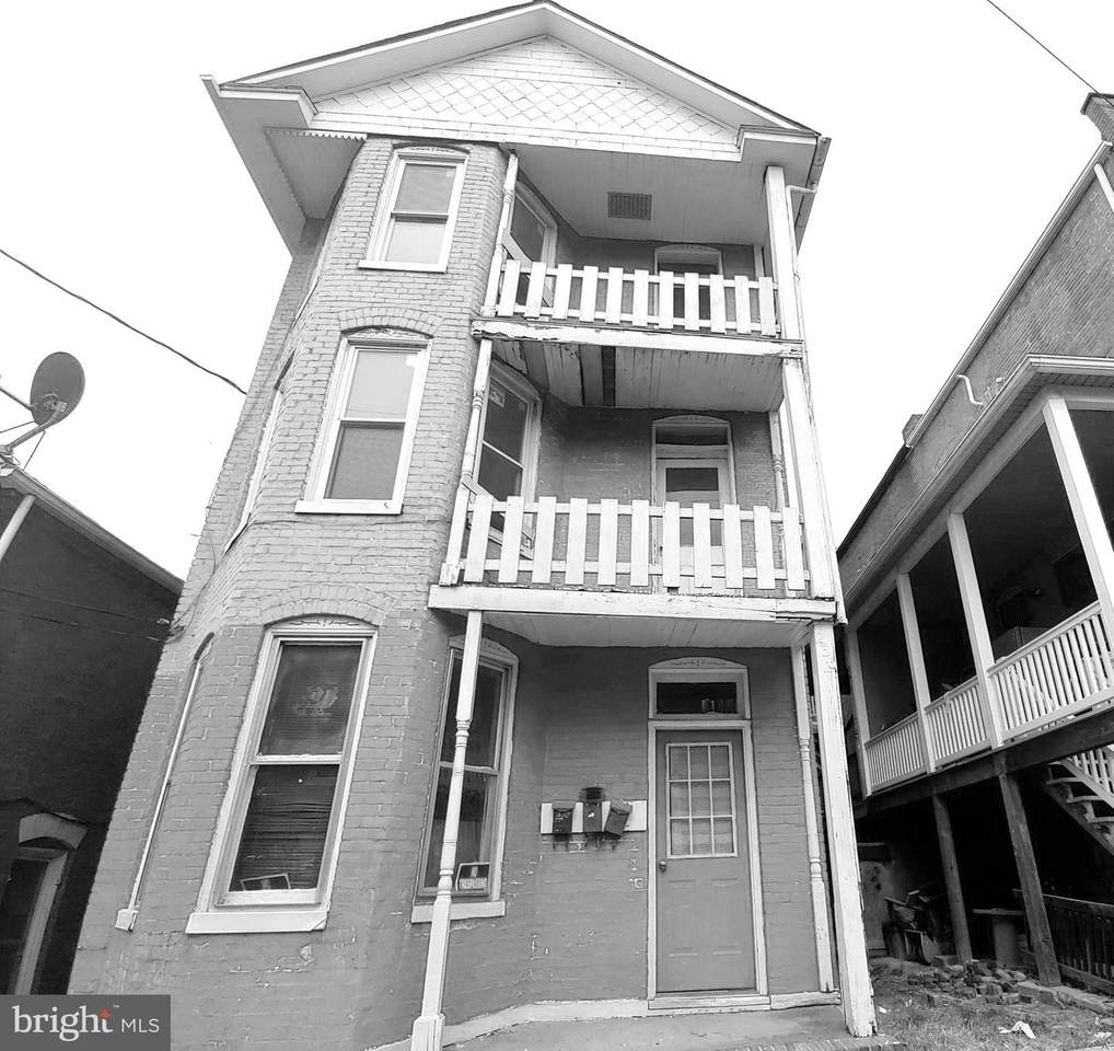 236 Glenn Street - Photo 1