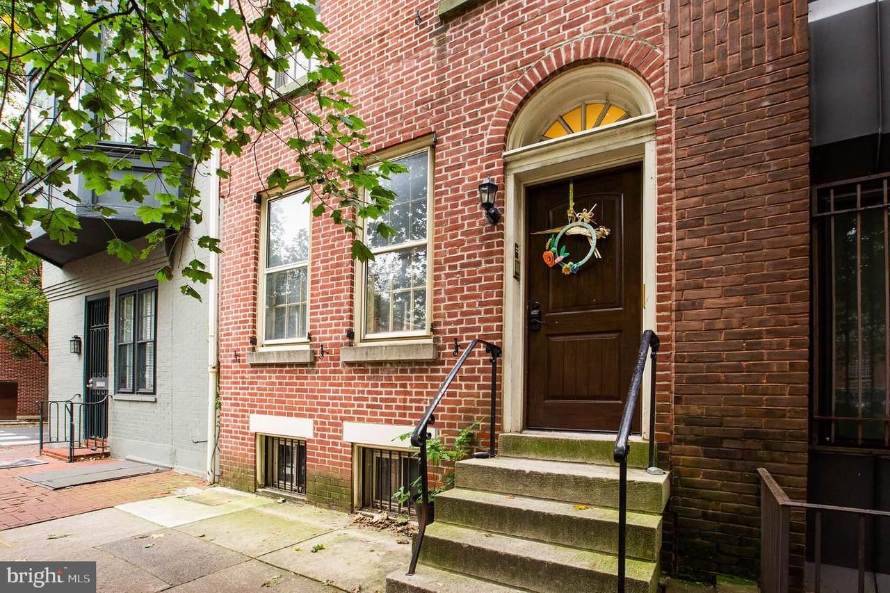 302 Lombard Street - Photo 1