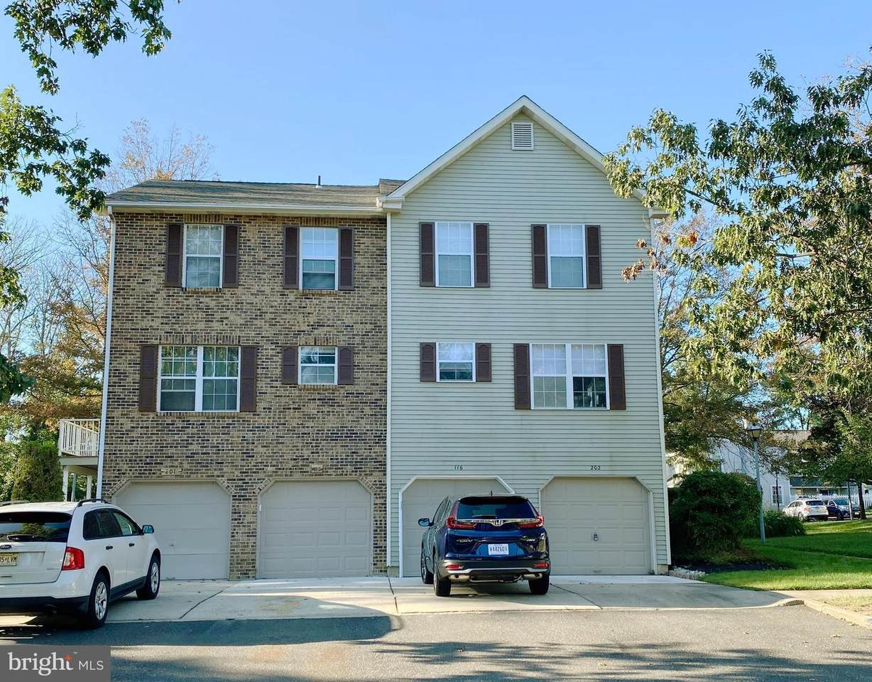 202 Ashby Court - Photo 1