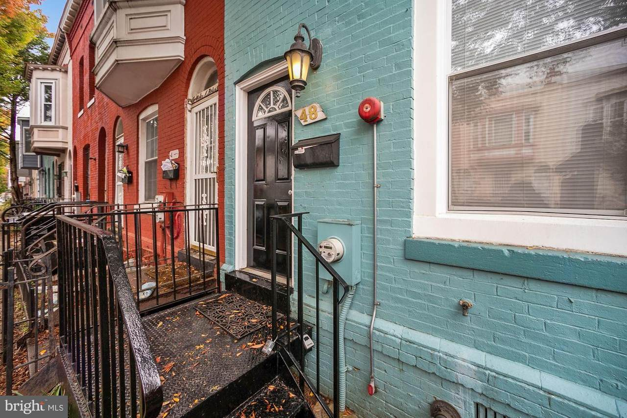 48 Bates Street - Photo 1