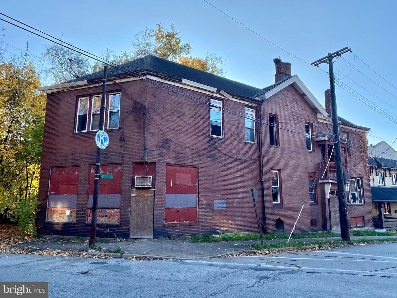 1327 Wood Street - Photo 1