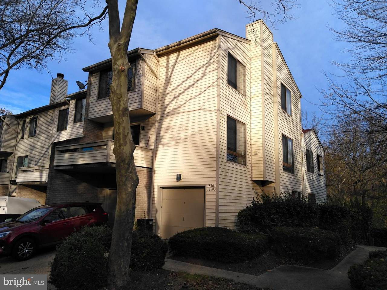 18501 Locust Point Court - Photo 1