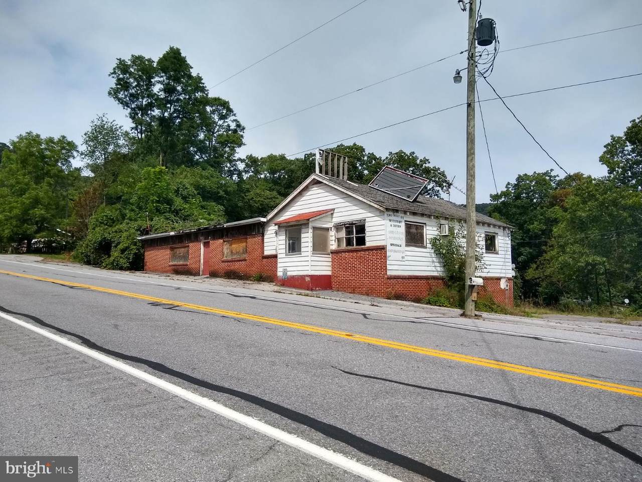 5167 Lincoln Highway - Photo 1