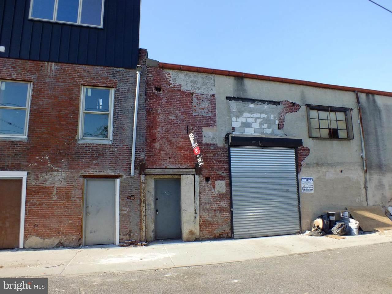 2322 E CABOT Street - Photo 1