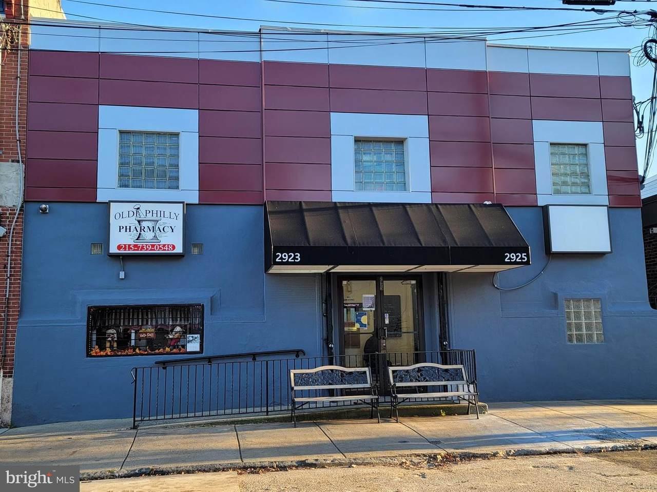 2923-25 Thompson Street - Photo 1