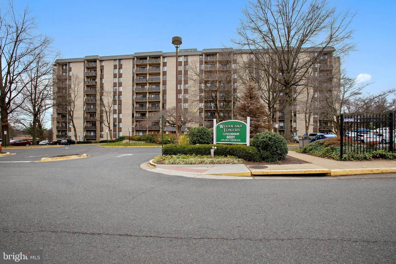 6001 Arlington Boulevard - Photo 1