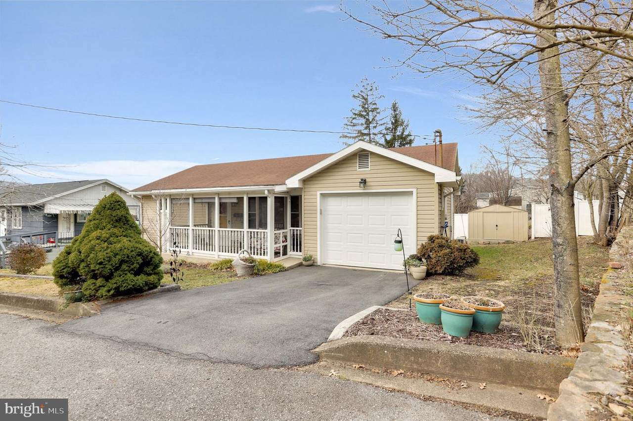 217 Mckinley Street - Photo 1