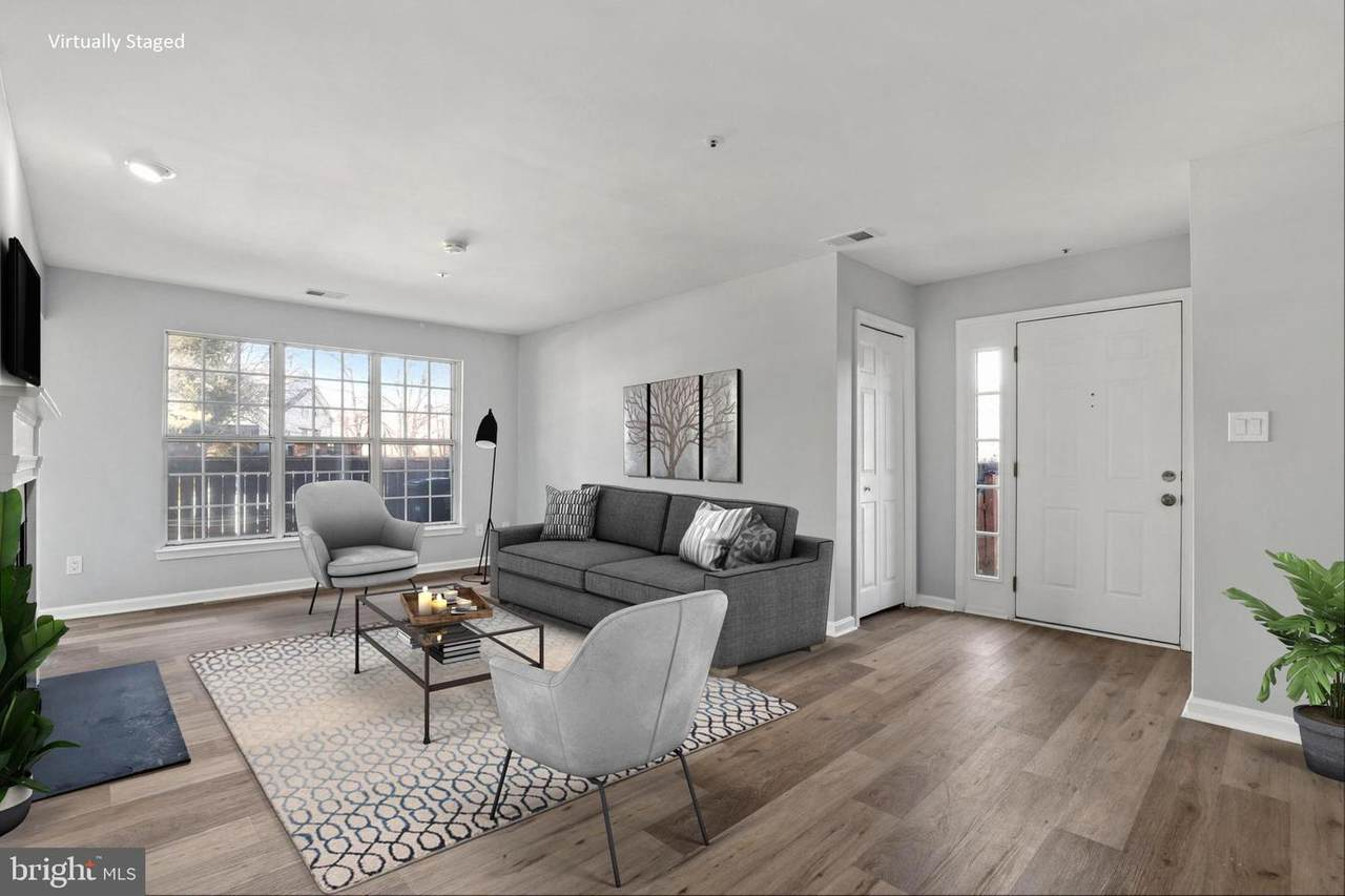 https://bt-photos.global.ssl.fastly.net/brightmls/1280_boomver_1_304475773997-2.jpg