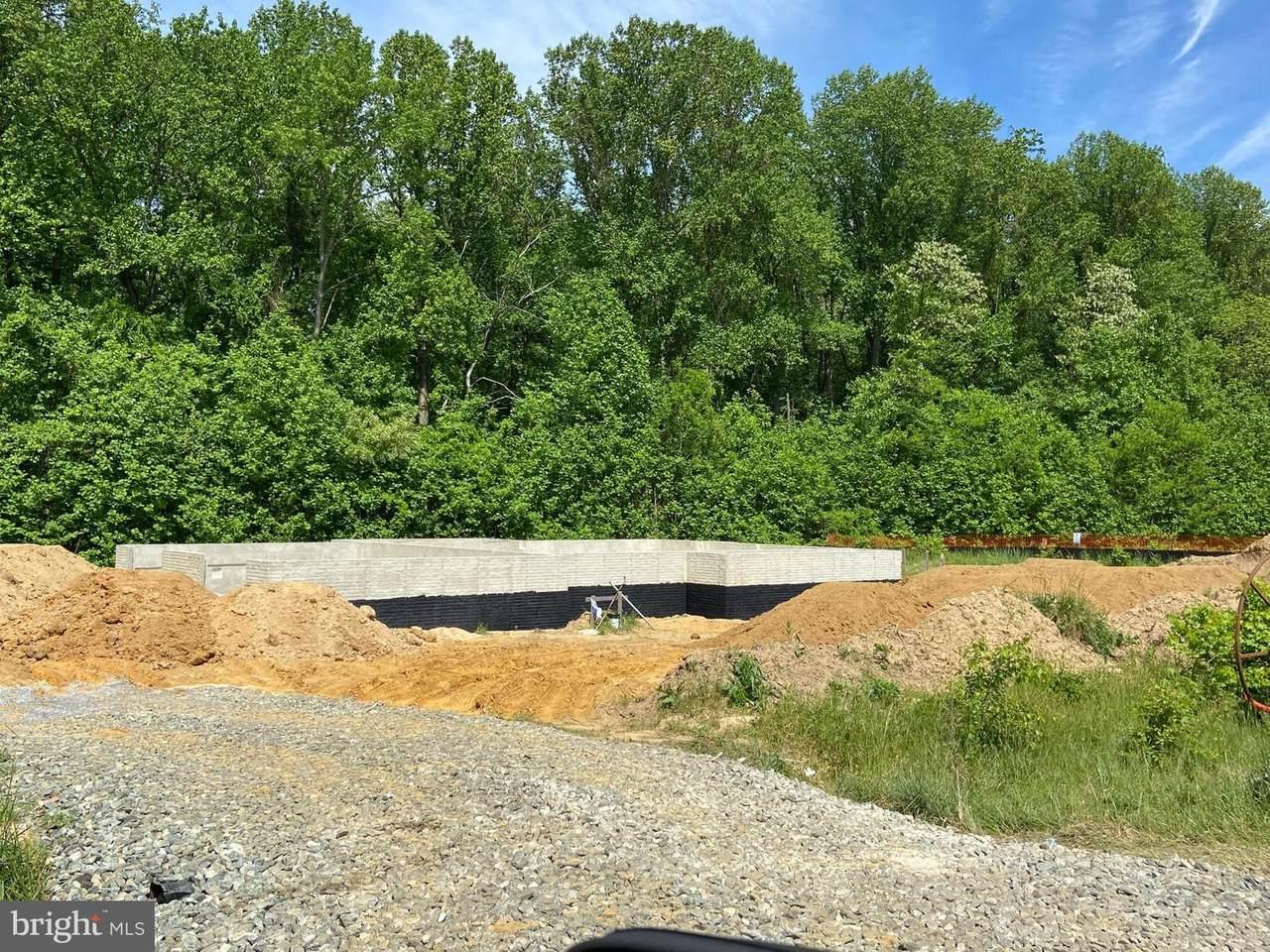 2527 Davidsonville Road - Photo 1