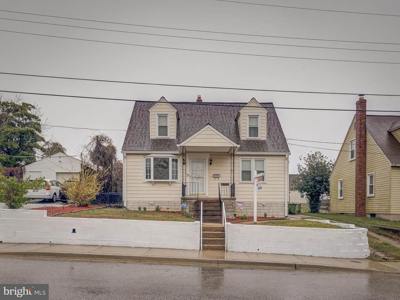 832 Matthews Avenue - Photo 1