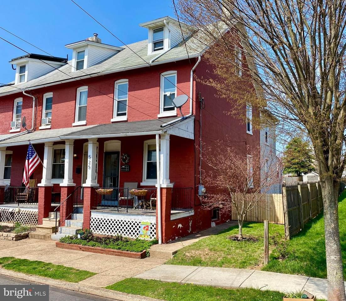525 Rhoades Street - Photo 1