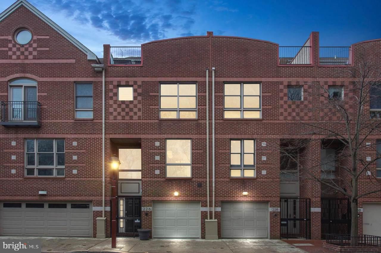 226 Lombard Street - Photo 1