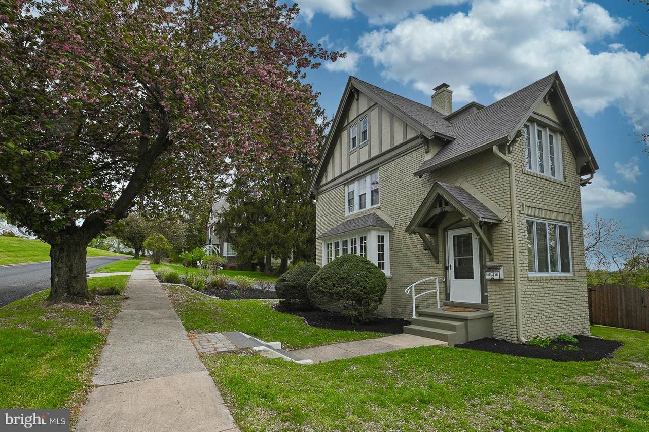 37 Montclair Avenue - Photo 1