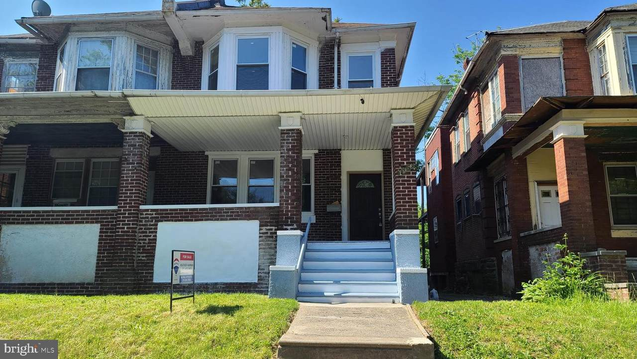 1604 Lindley Avenue - Photo 1
