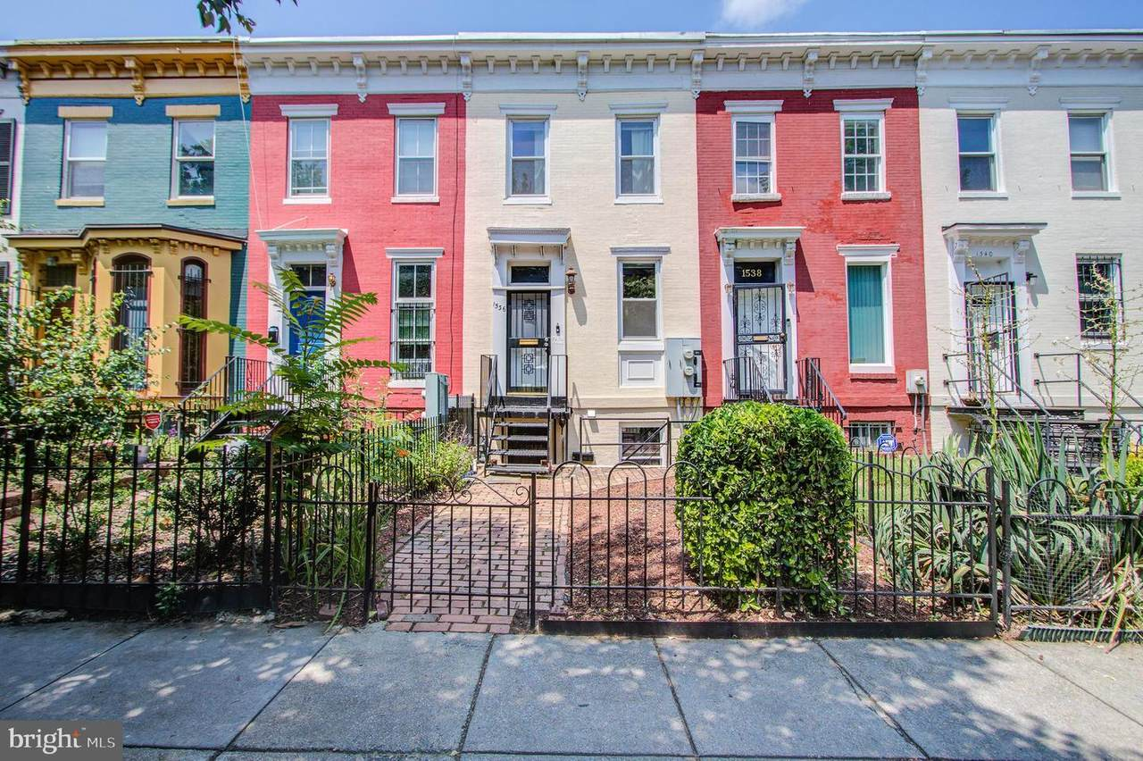 1536 8TH Street - Photo 1