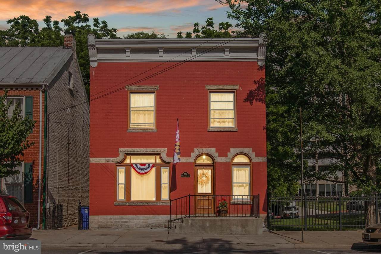225 Potomac Street - Photo 1
