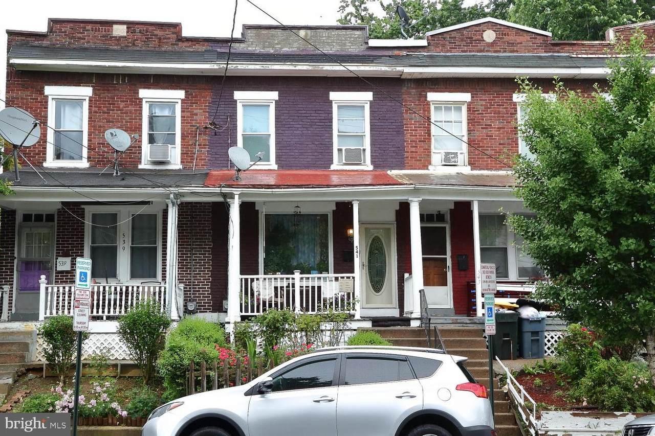 541 Queen Street - Photo 1