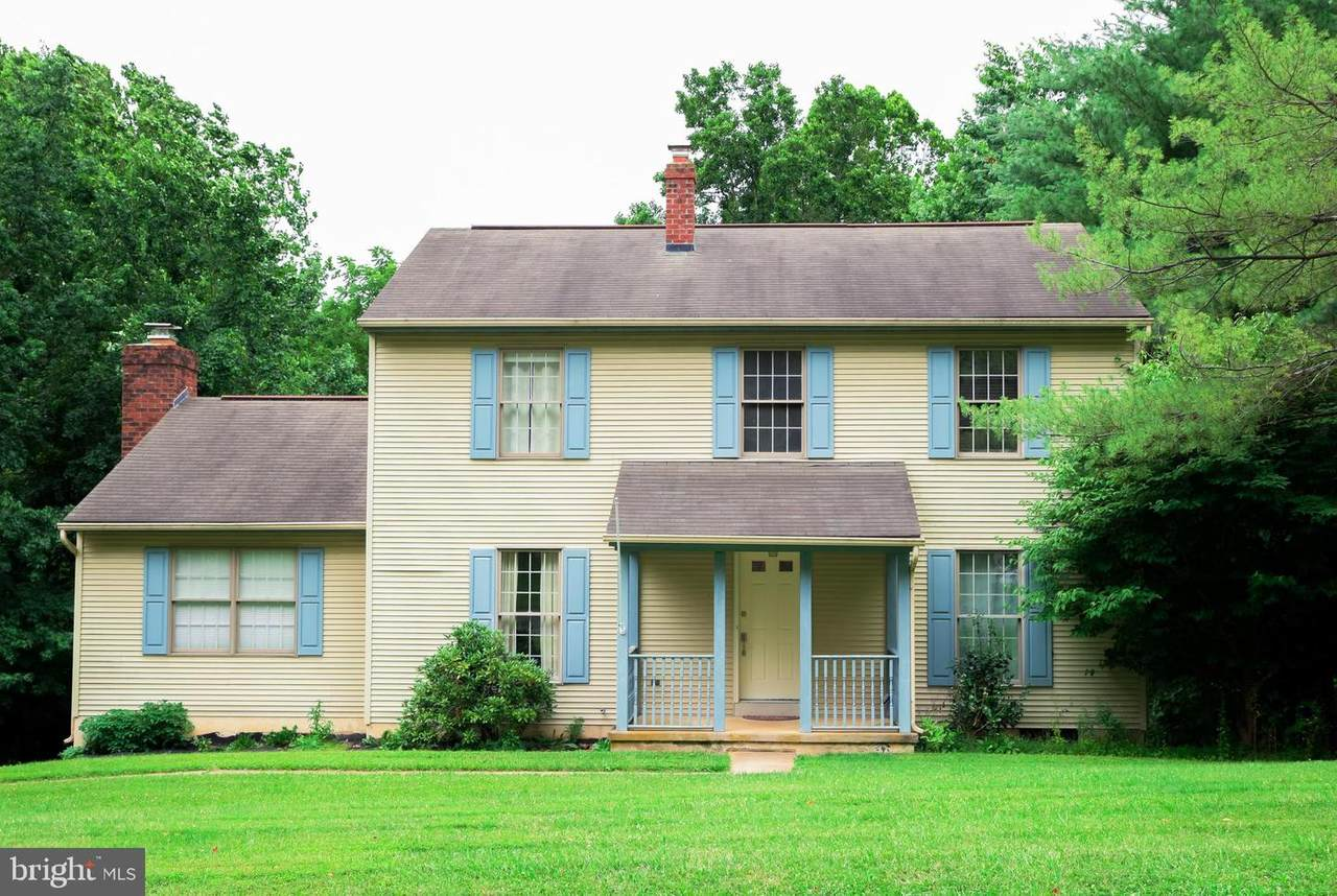 395 Salem Court - Photo 1