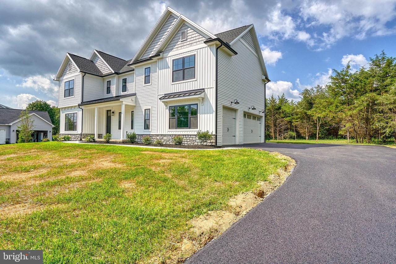 364 Middlesex - Photo 1