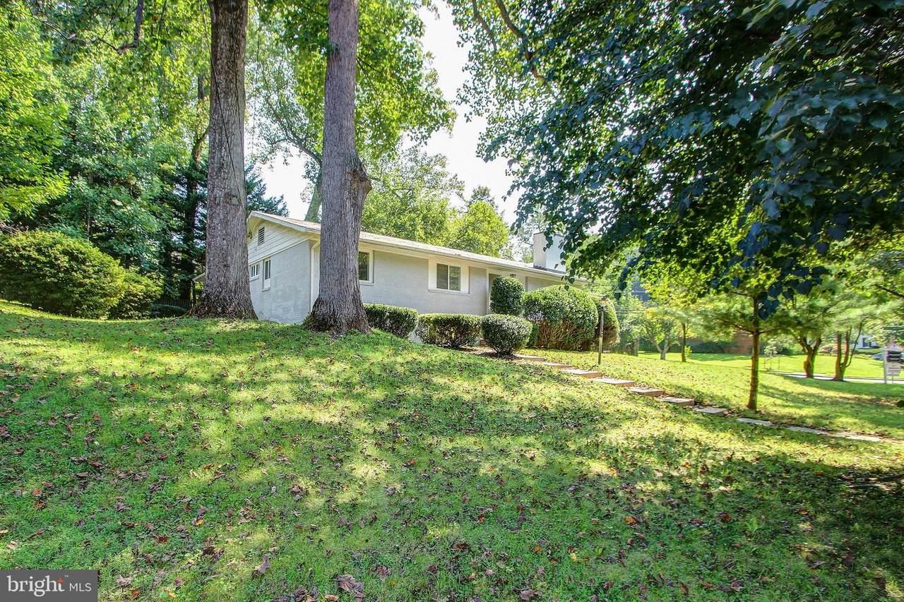 5909 Tanglewood Drive - Photo 1