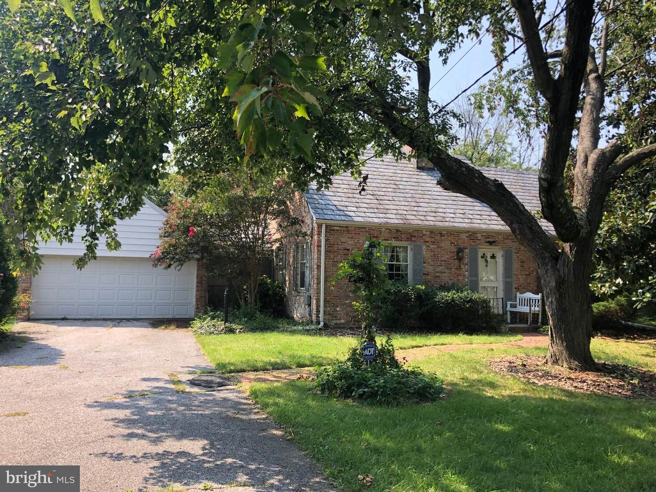 1506 Rolling Road - Photo 1