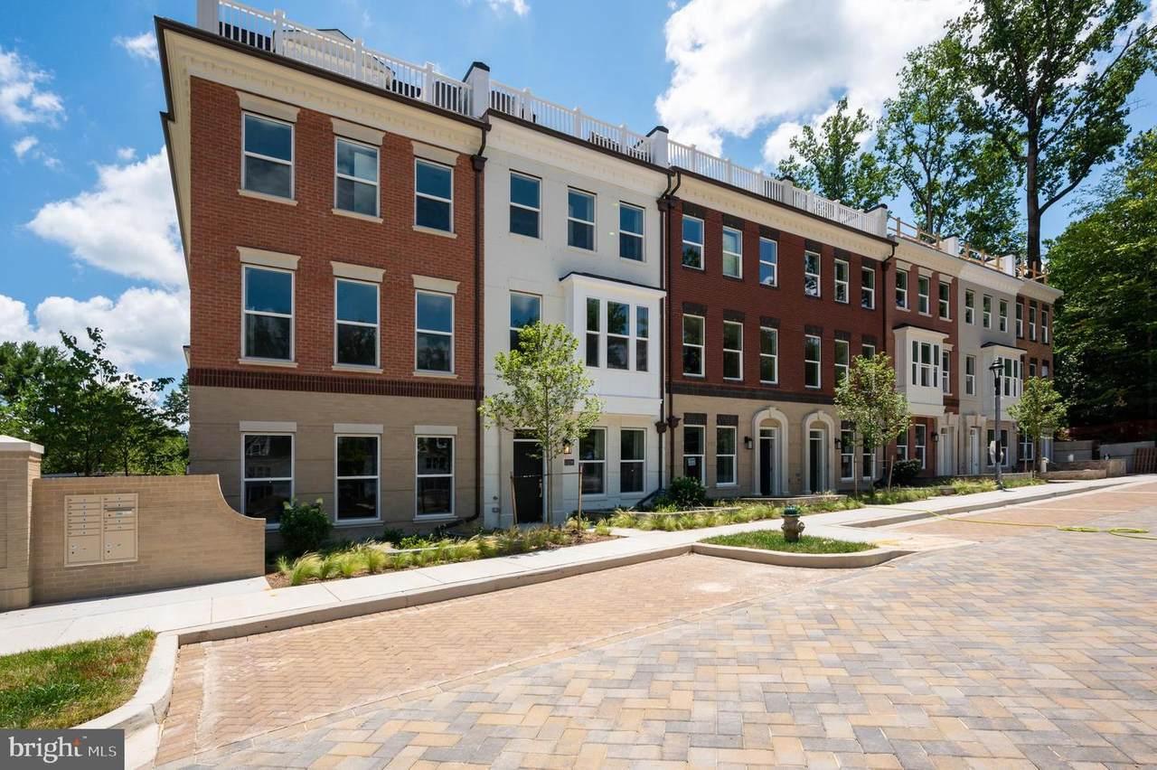 10326 Grosvenor Place - Photo 1