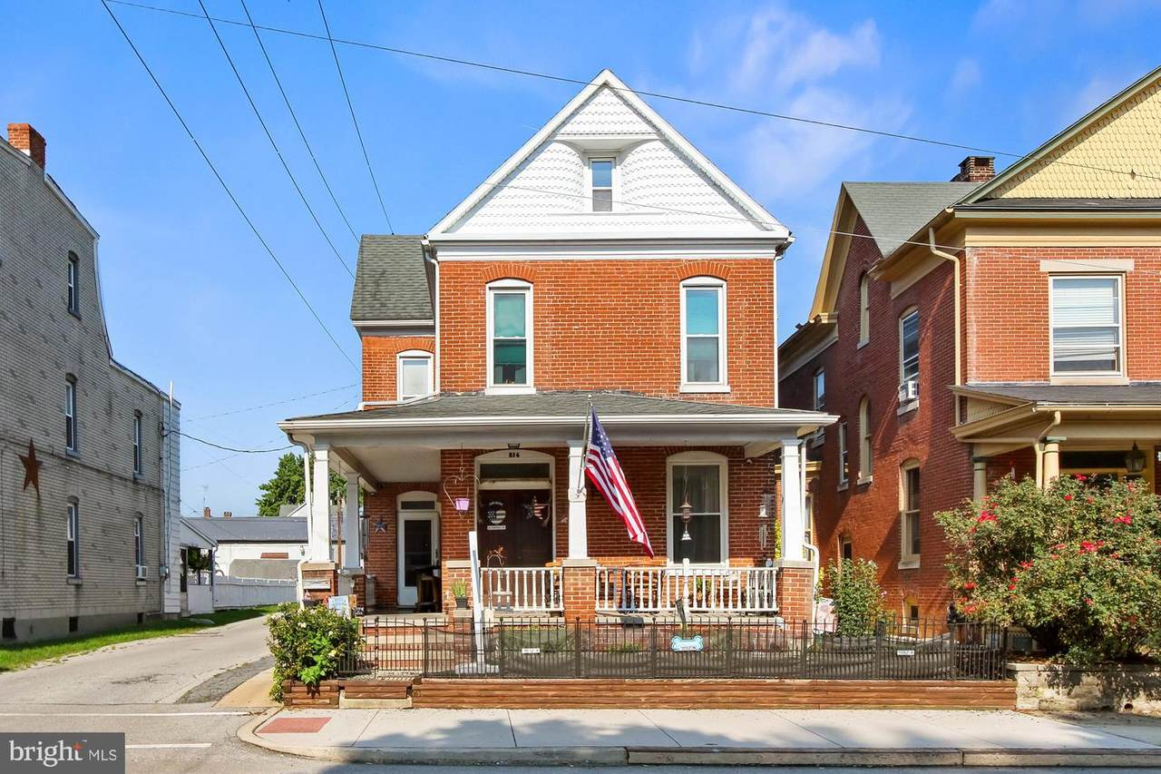 214 Middle Street - Photo 1