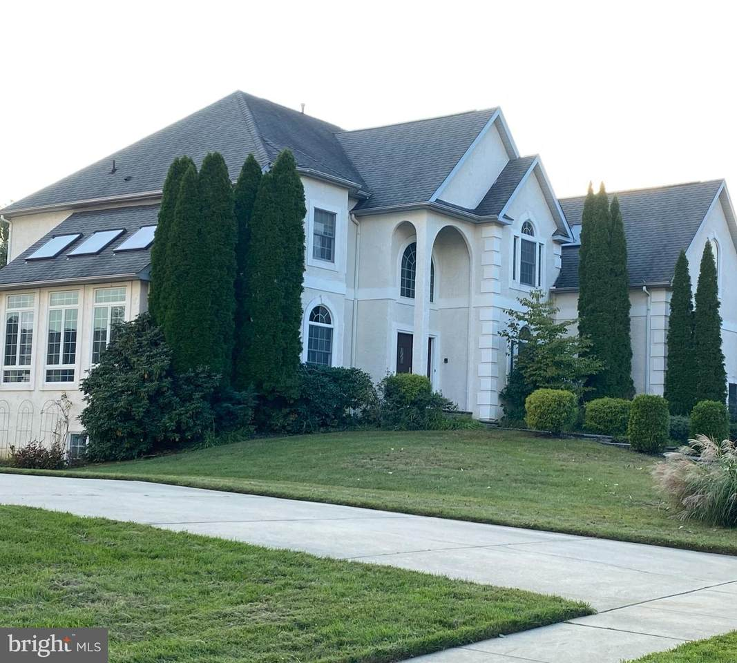 4 Carriage House Court - Photo 1