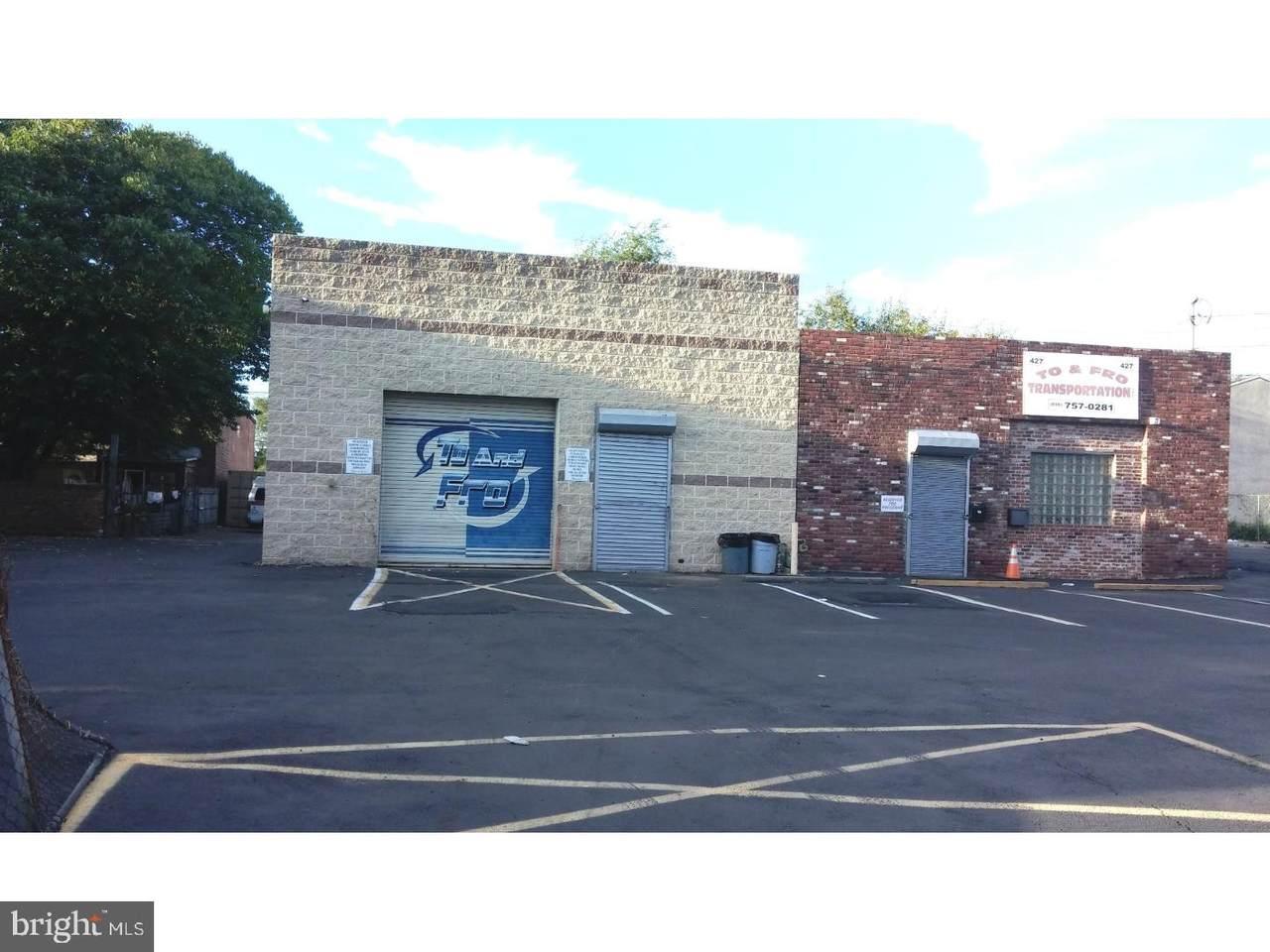 423-433 Walnut Street - Photo 1