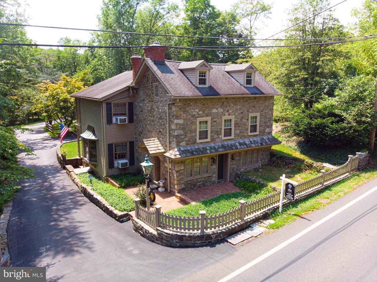 880 Pebble Hill Road - Photo 1
