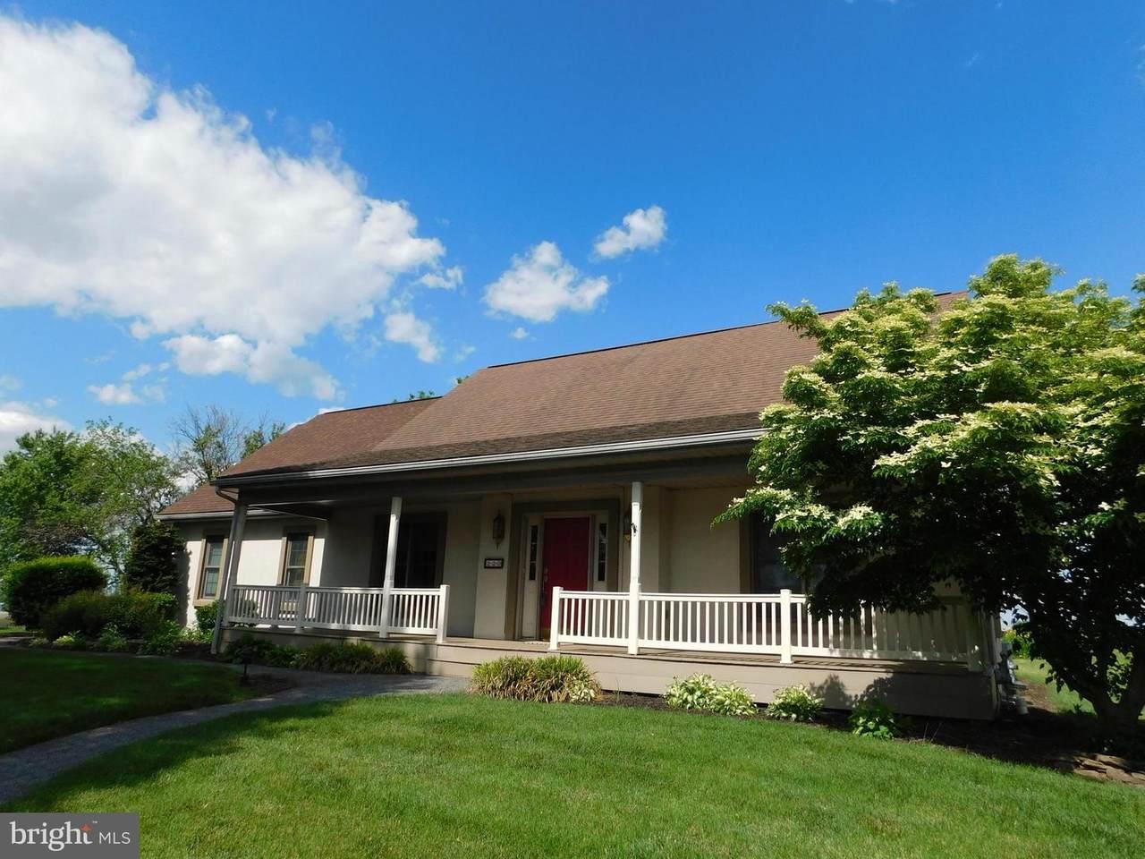 220 Broadmoor Drive - Photo 1