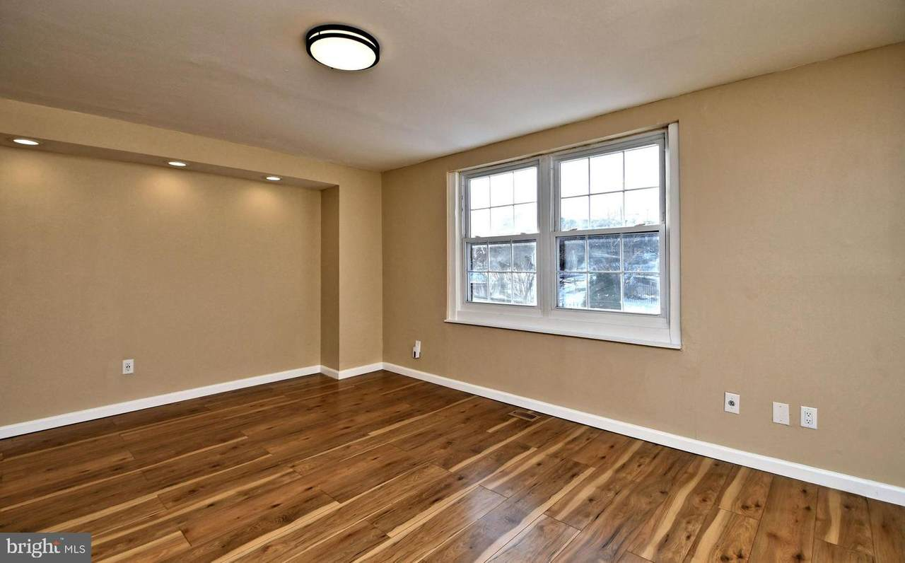 654 May Place - Photo 1