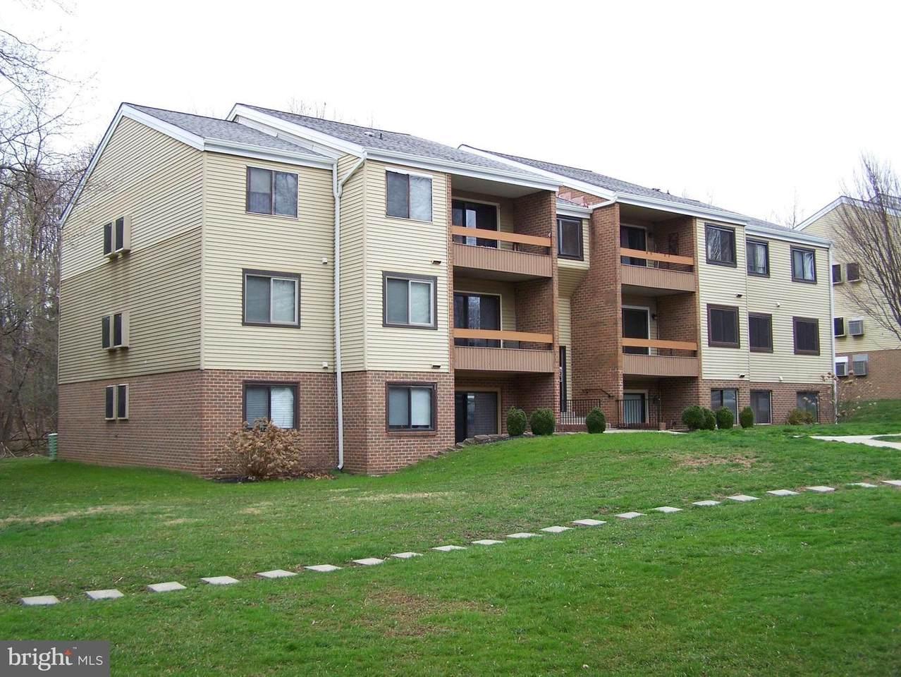 1002 Scarlet Oak Court - Photo 1
