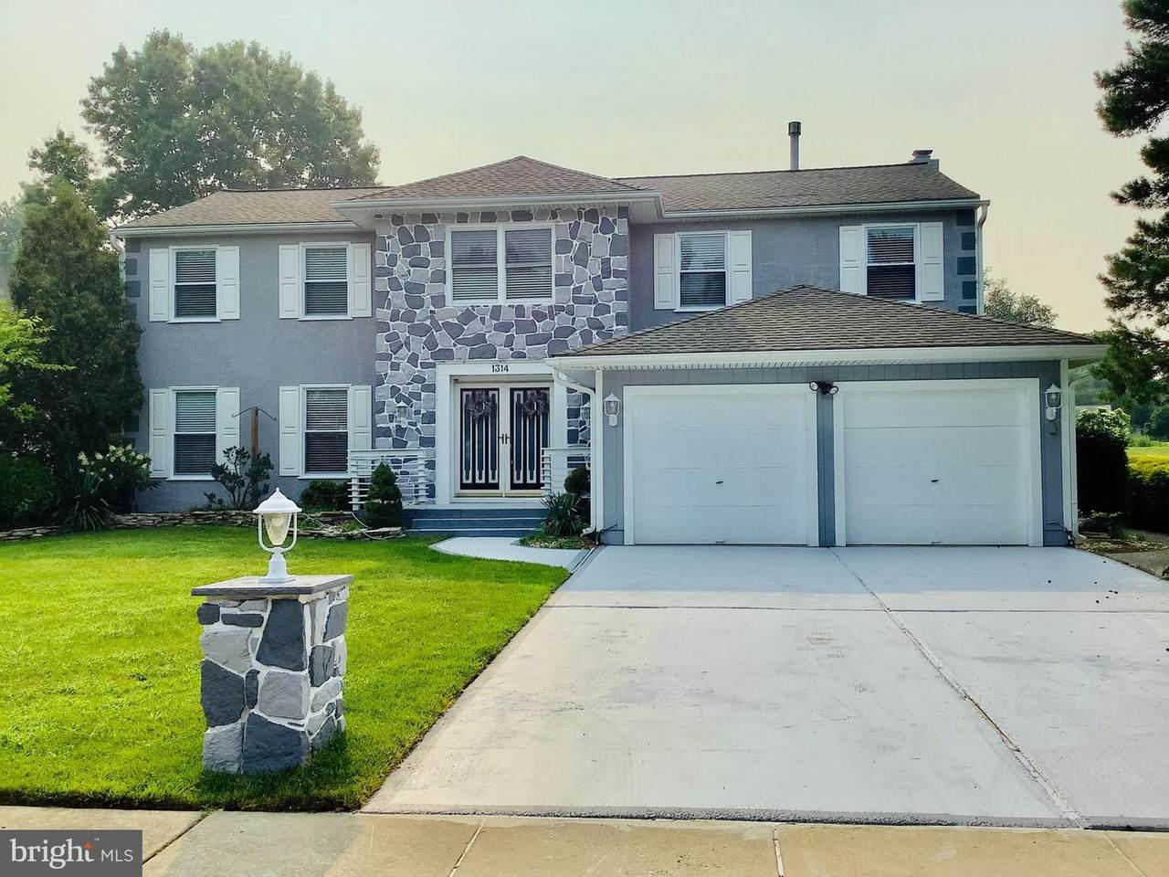 1314 Barnesdale Rd - Photo 1