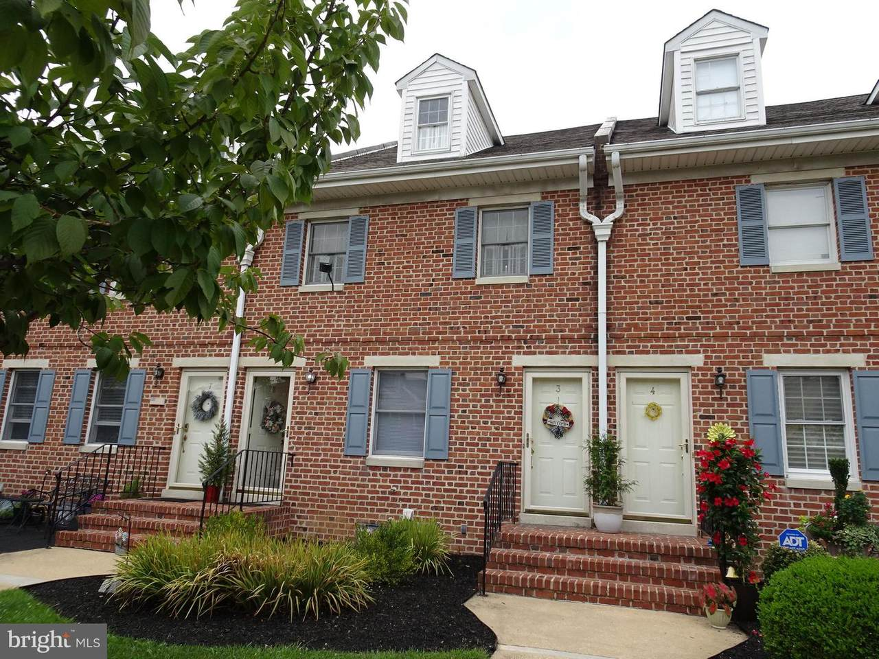 615-UNIT 3 Delaware Street - Photo 1