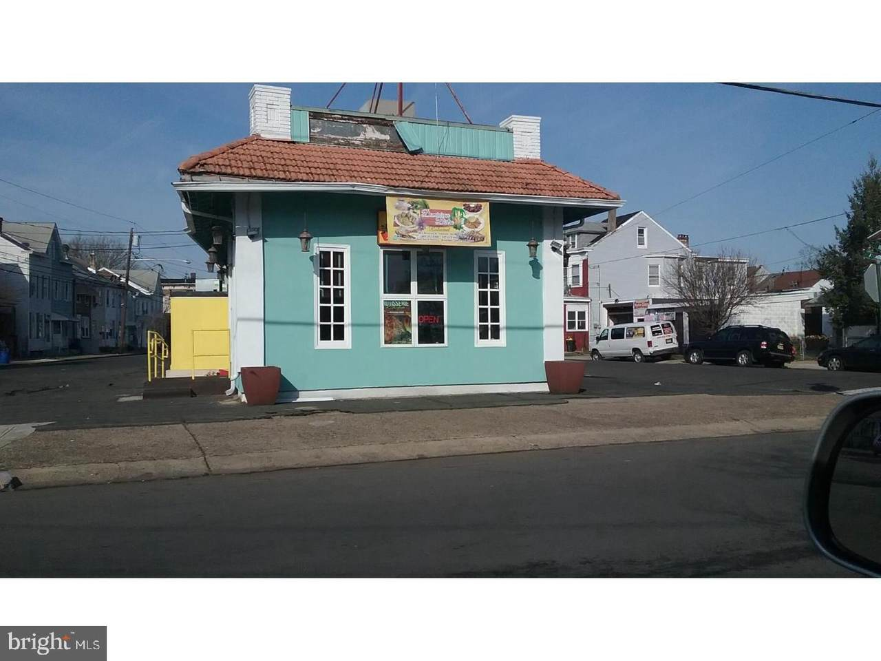 501 Division Street - Photo 1