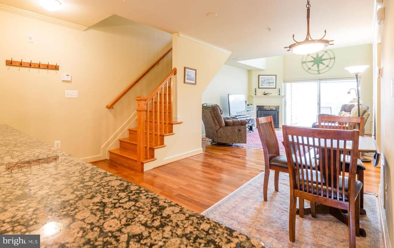 32 Mcmullens Wharf - Photo 1