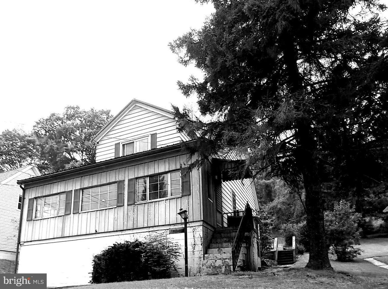 260 Wood Street - Photo 1
