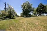 1621 Pondview Drive - Photo 3